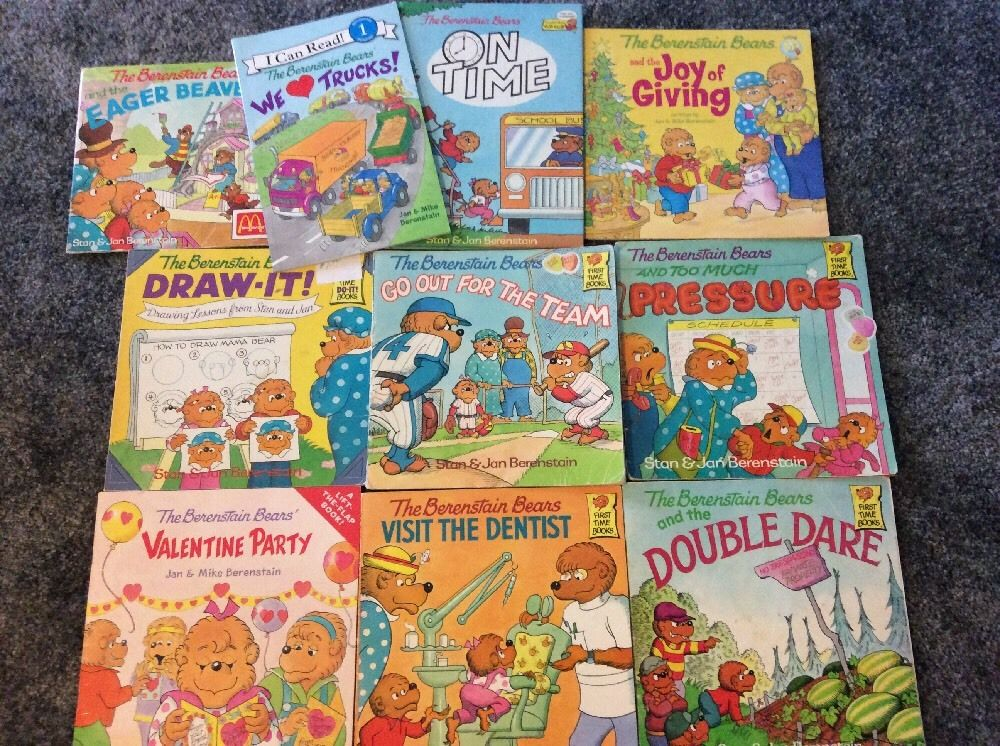 Lot of 32 The Berenstain Bears Children's Books by Stan Jan Berenstain